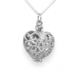 Sentiment Jewellery: Heart Pendant